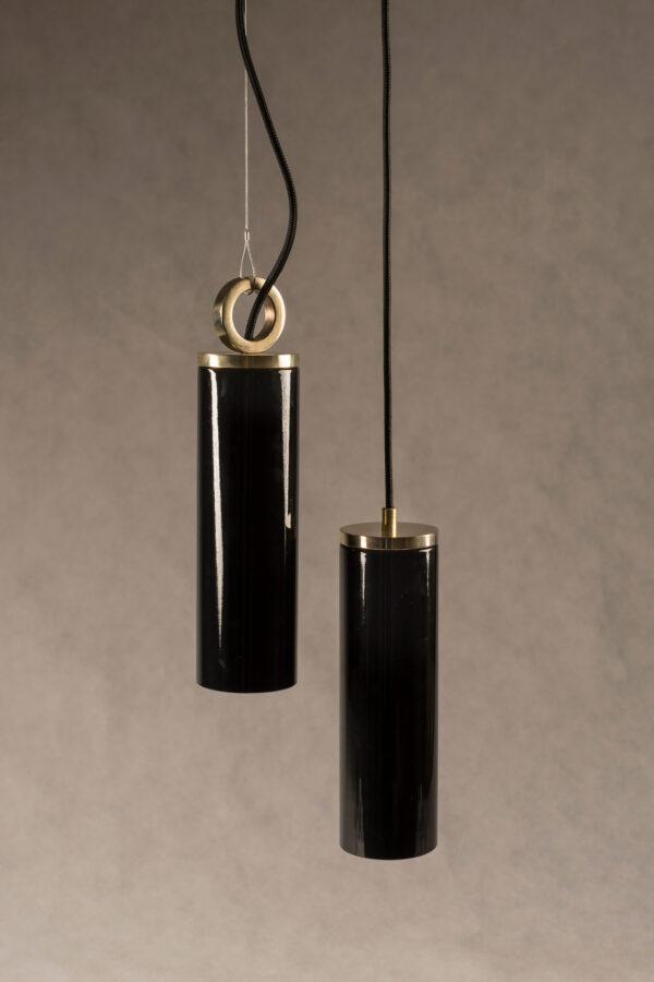 Czarne Szklane Lampy Wiszaca z mosiężnym wykończeniem