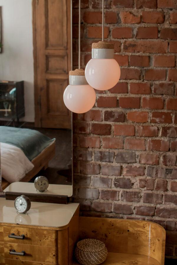 wisząca lampki korkowe z kloszem szklanym białym Kula