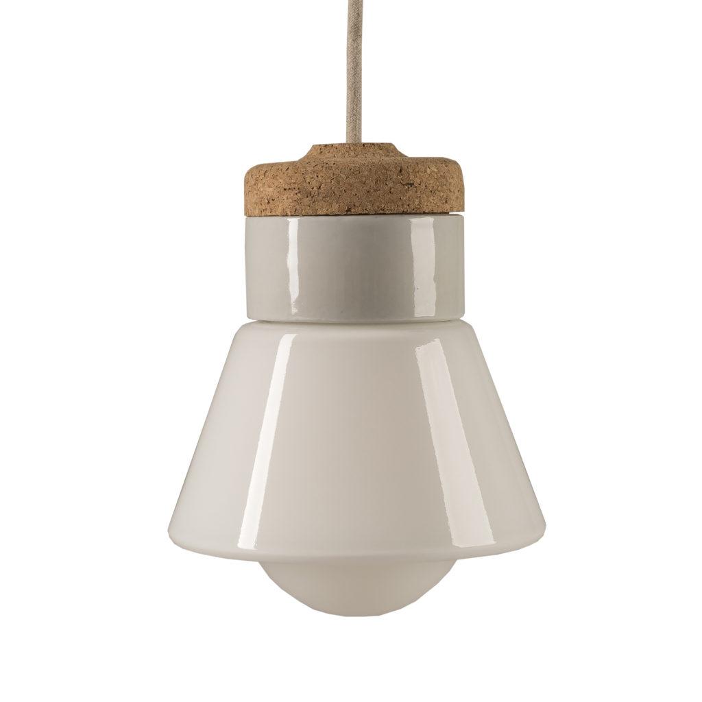 lampka wisząca z korkiem i porcelaną