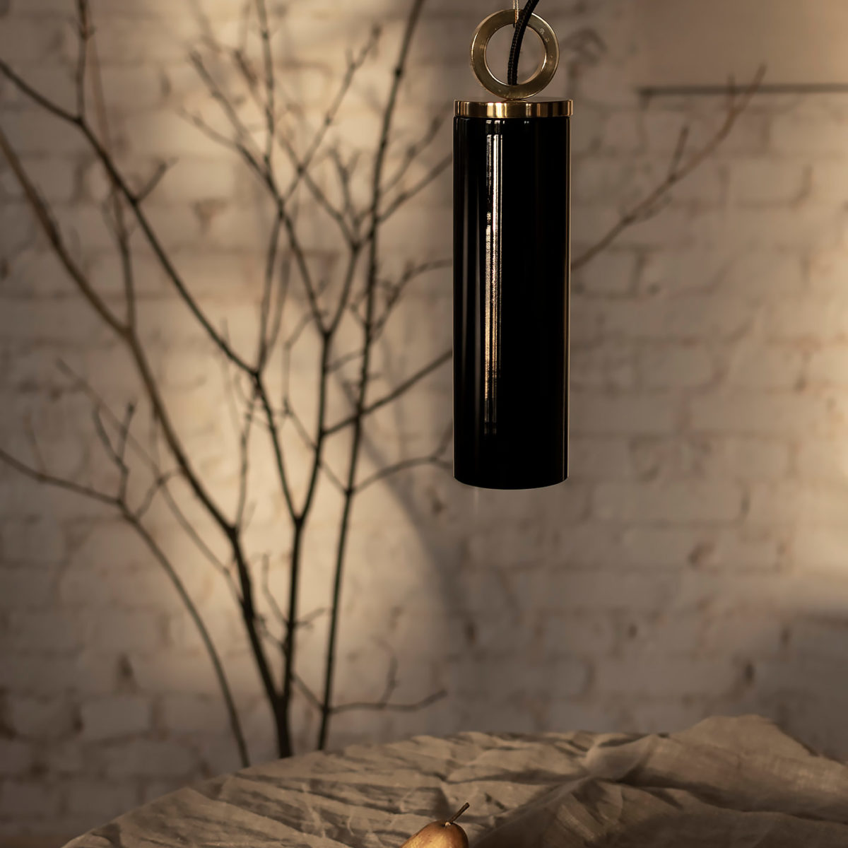 Czarna Szklana Lampa Wiszaca Kopenhaga z mosięznym ringiem