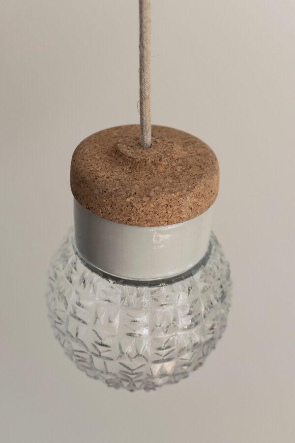 mała wisząca lampa korkowa Granat 5