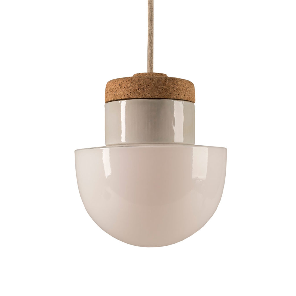 Mała stojąca lampka korkowa ze szklanym kloszem białym Dzwonek 3