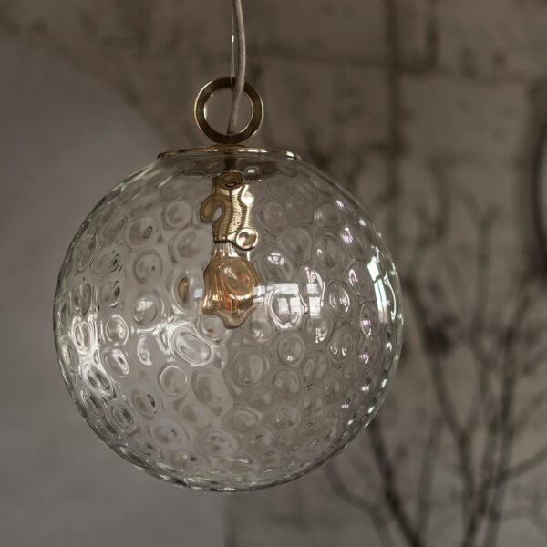 Szklana Lampa Wisząca Kula z ringiem mosiężnym
