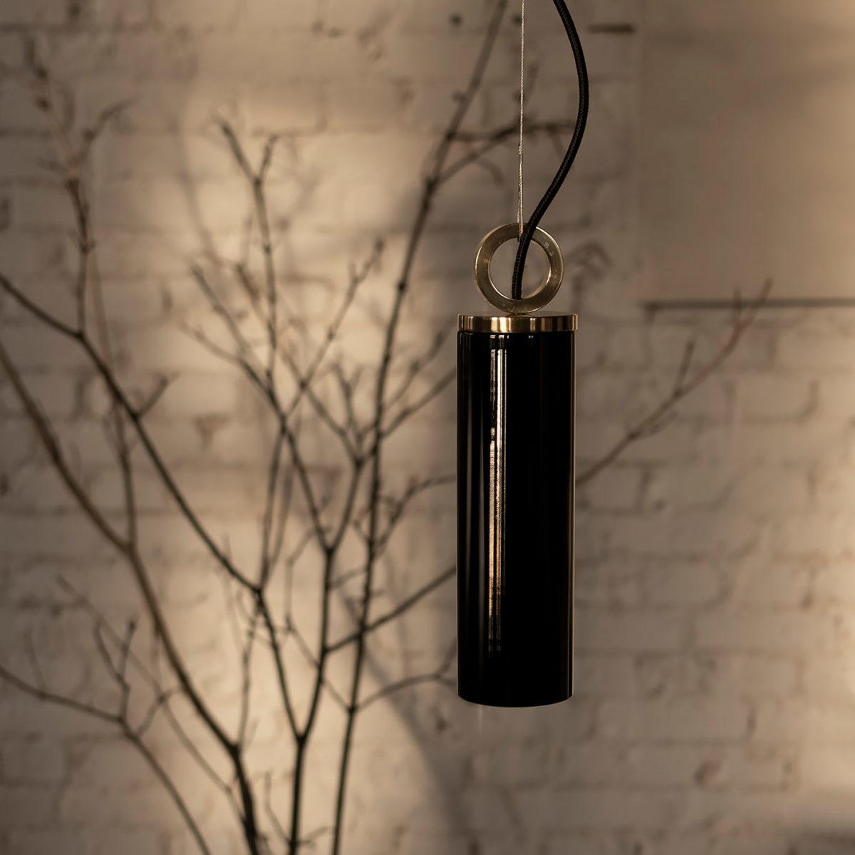 Czarna Szklana Lampa Wiszaca Kopenhaga z mmosięznym ringiem